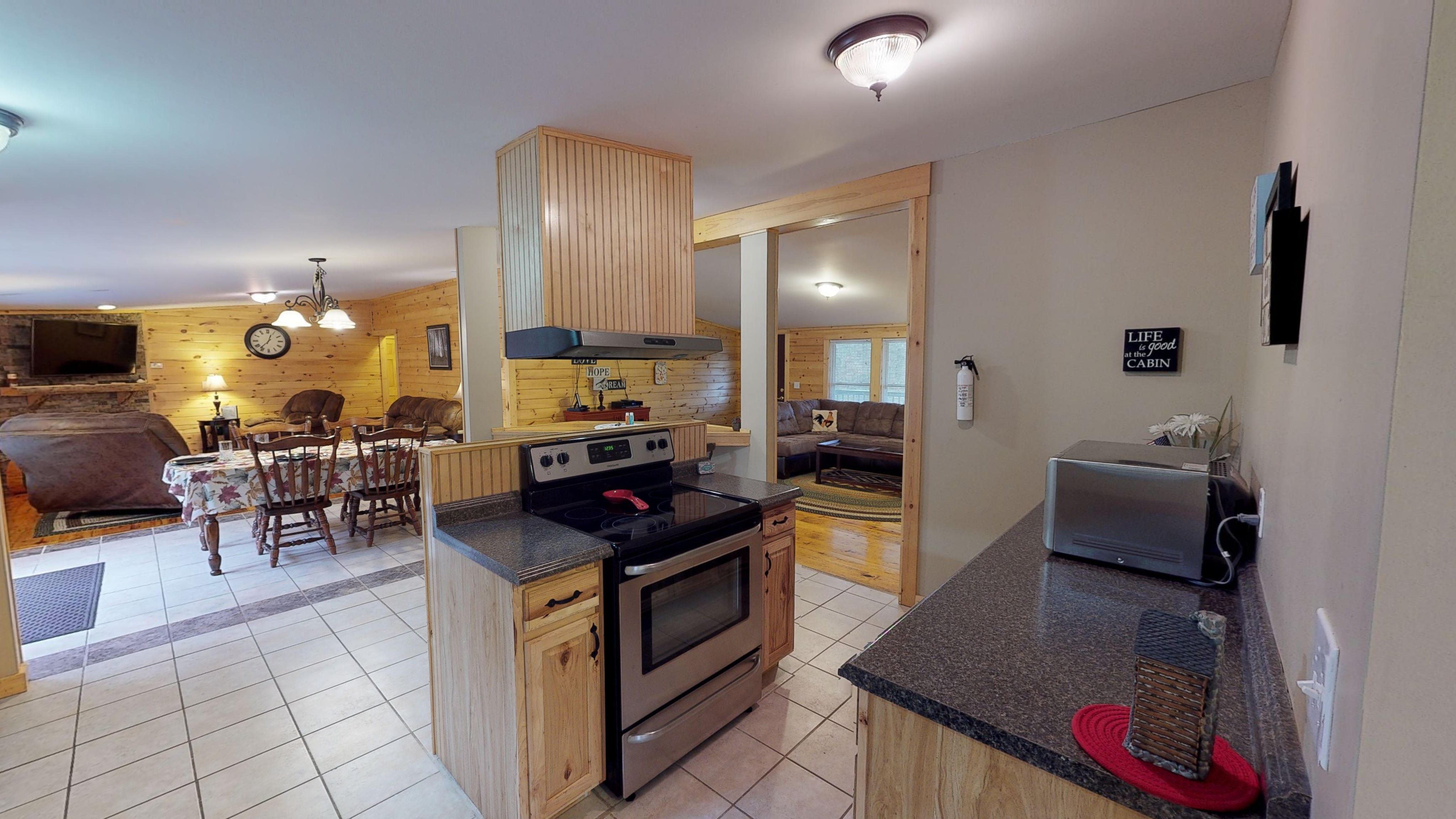 Bobcat Cabin Kitchen - Kitchen comes fully equipped with all the amenities  appliances you need for a getaway! Contact us if you have specific questions about the amenities. Guests just need to bring food!