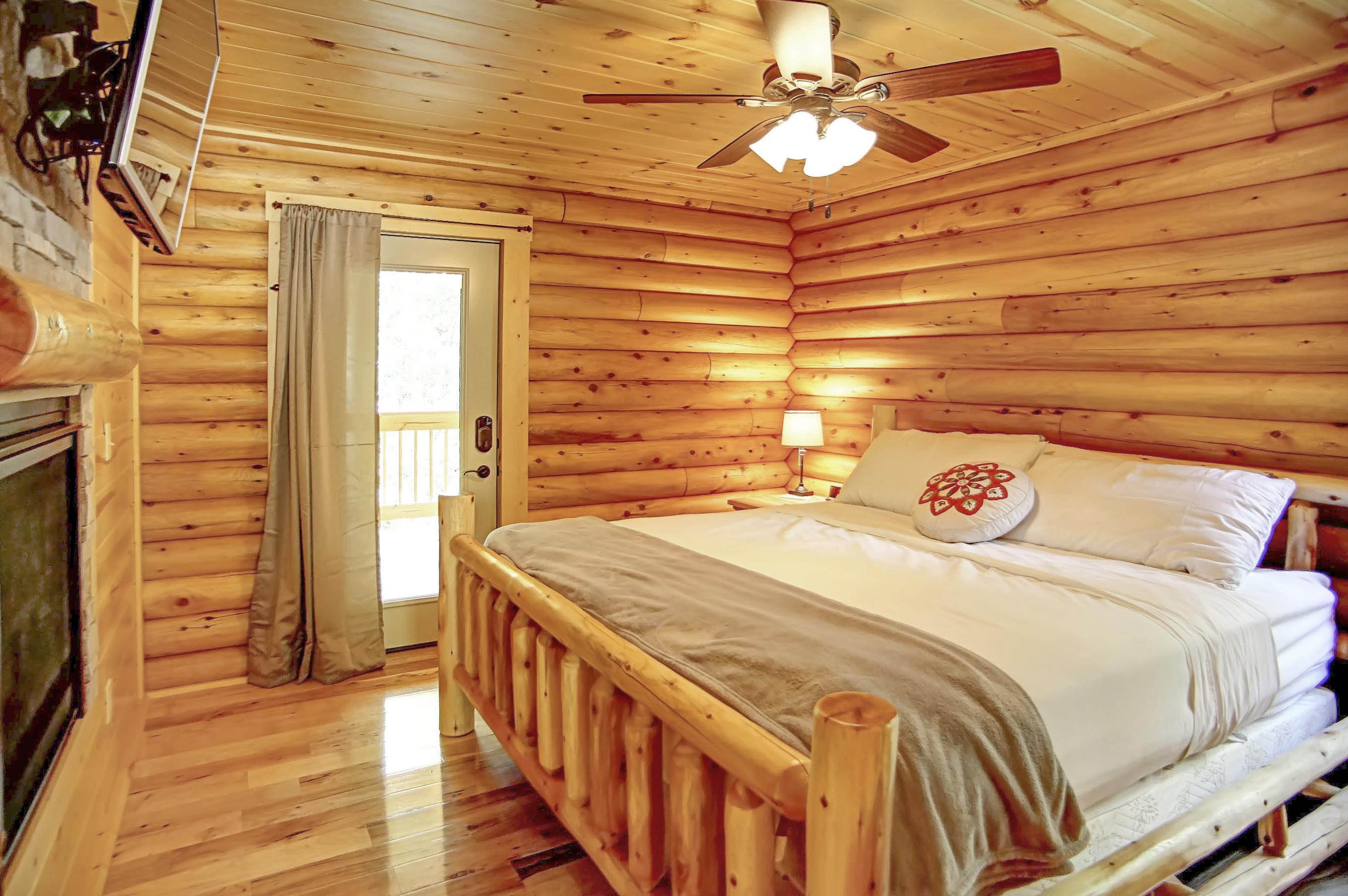 Master Bedroom - Master bedroom with a king size bed, 50