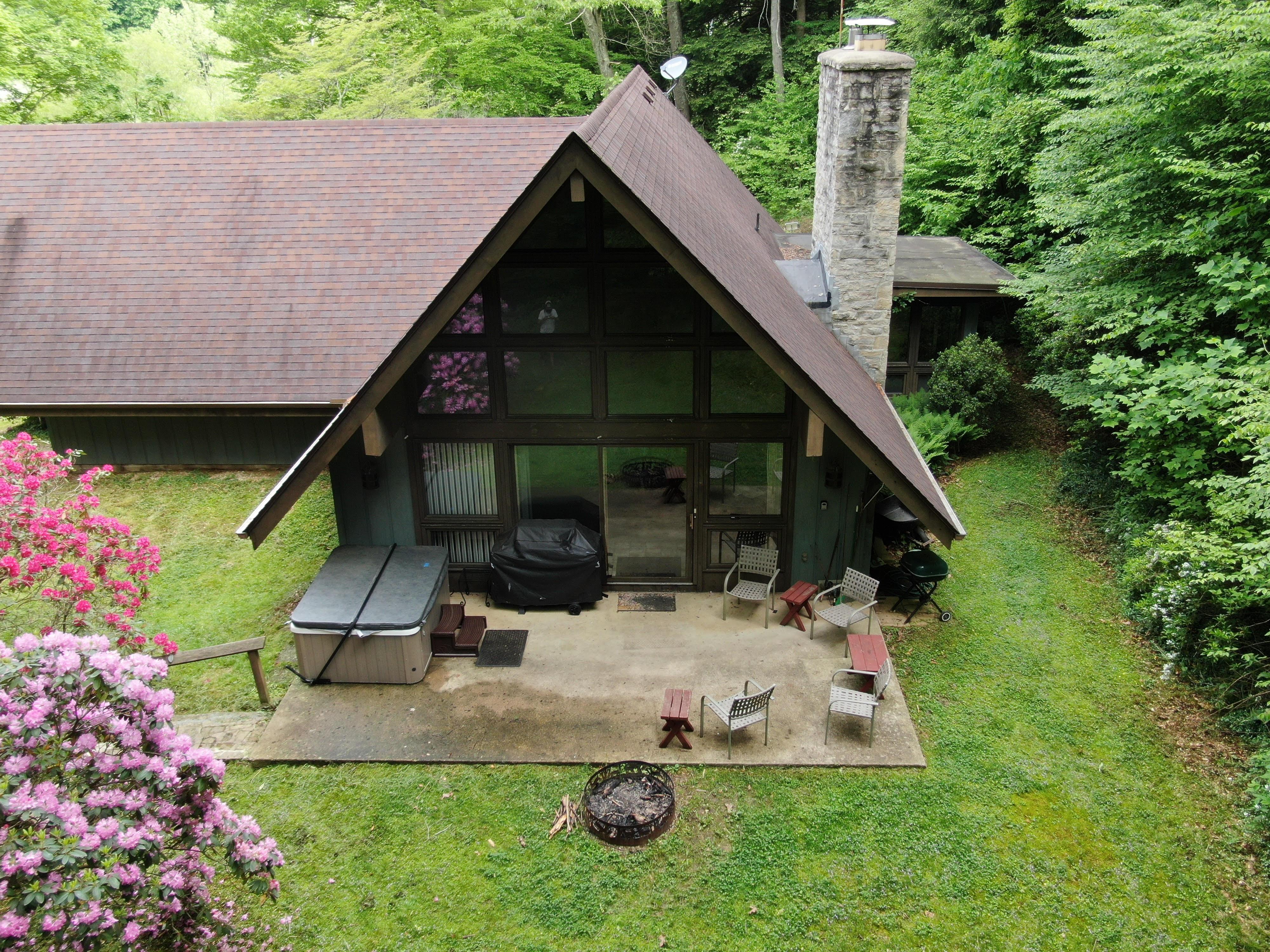 Mercer House - Hot tub view