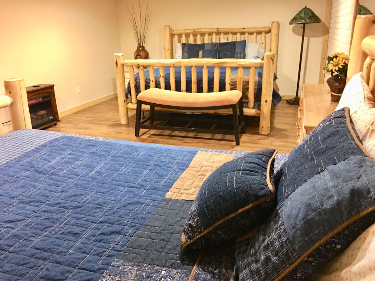 Mountain Lodge - Basement bedroom 2 Queens