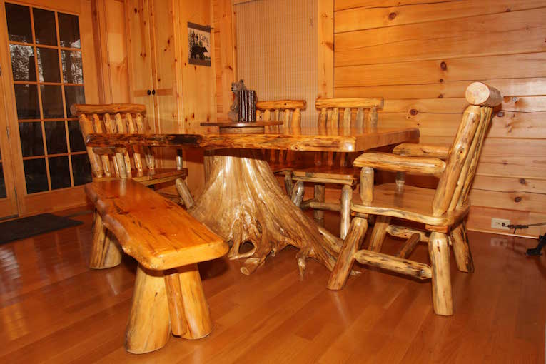 Live Edge Custom Kitchen Table - A beautiful table seats 6 guests and serves as a use for food, games, cards, puzzles, and more.