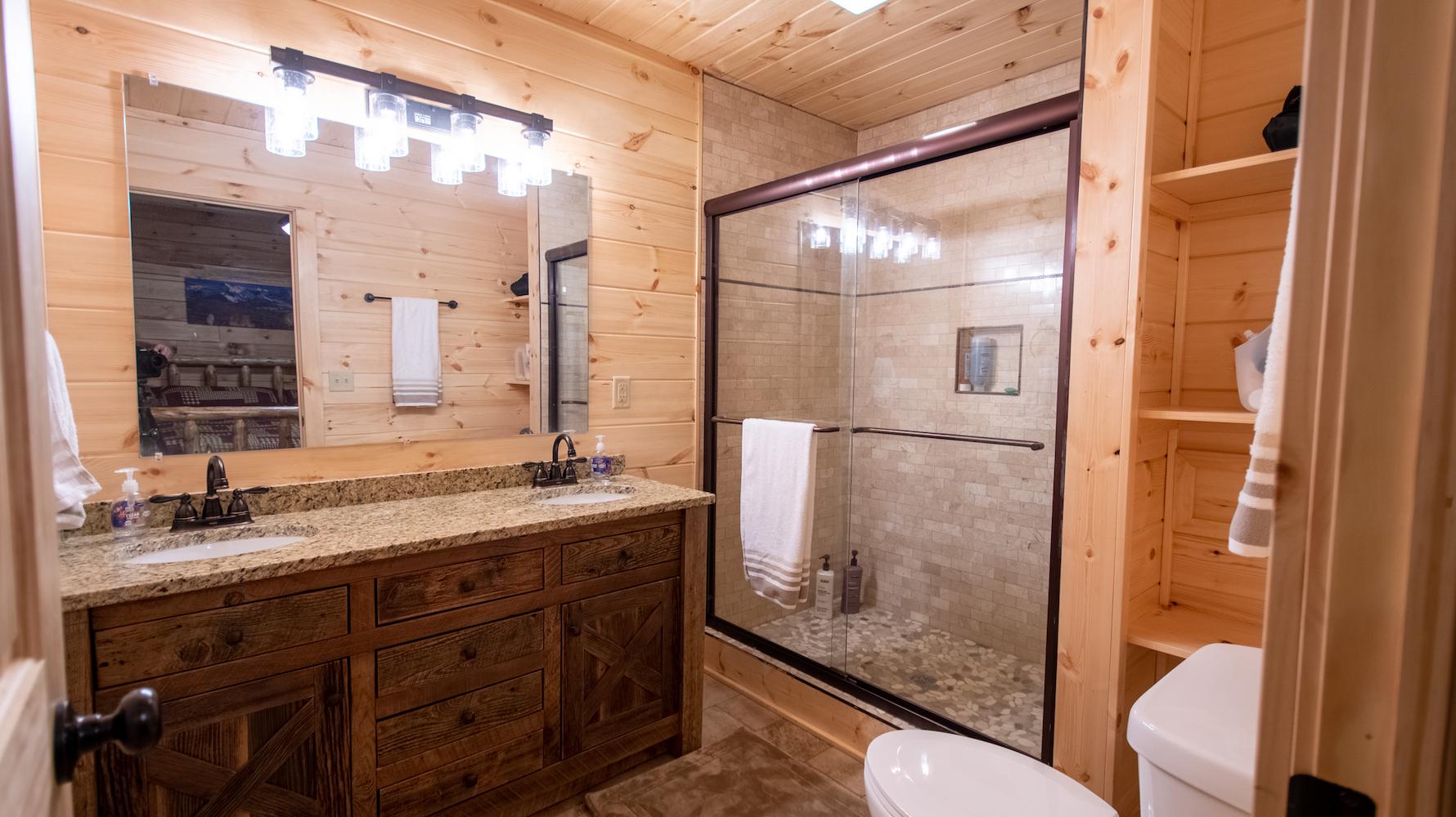 Photo 2006_8151.jpg - AHL Master Bathroom