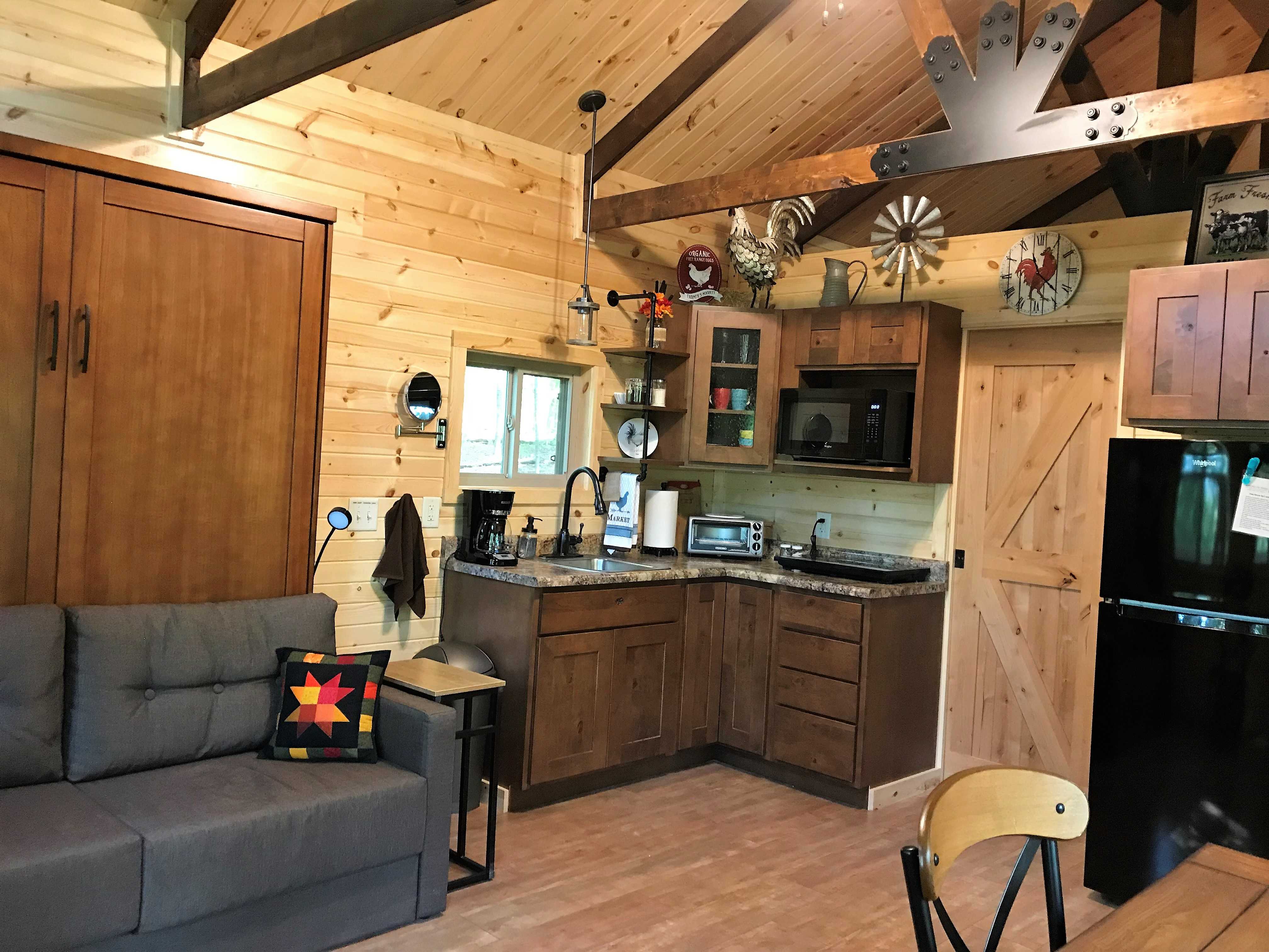 kitchen/living area - Comfy main area for relaxing, which includes a kitchen area and dining table.