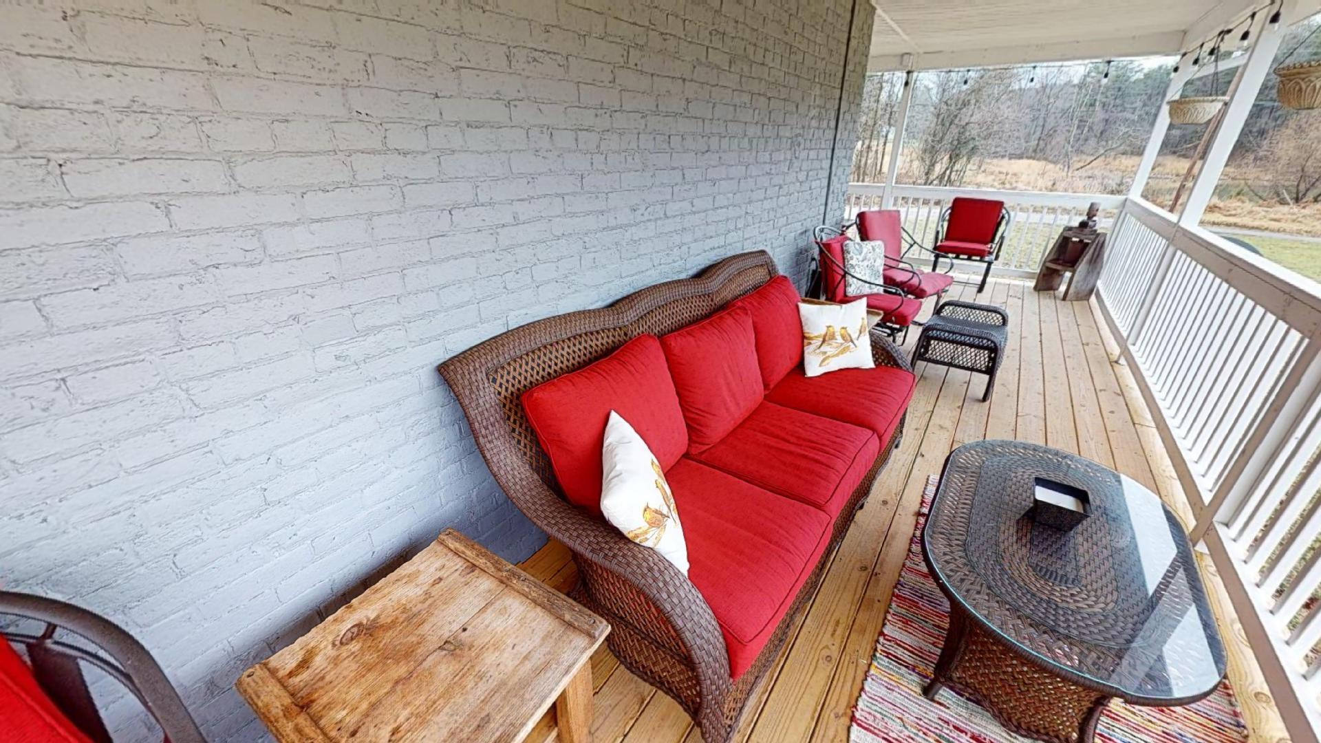 Wrap Around Porch - Watch the deer!
