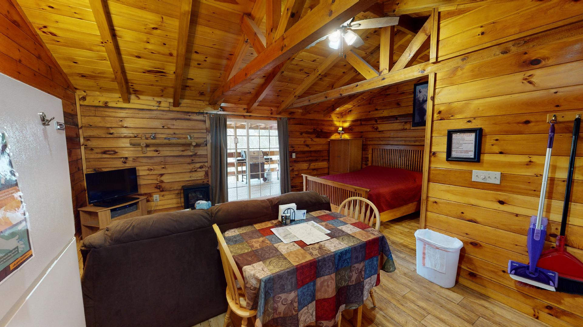 Silver Wolf Eat in Kitchen - Dining for 2 in the kitchen. Open floor plan.