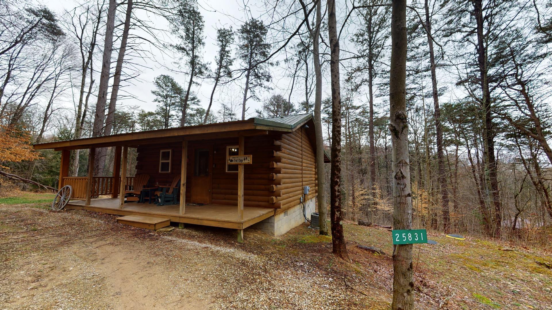 Trail Ridge Exterior Pet-friendly - Pet friendly under 30 lbs cabin.